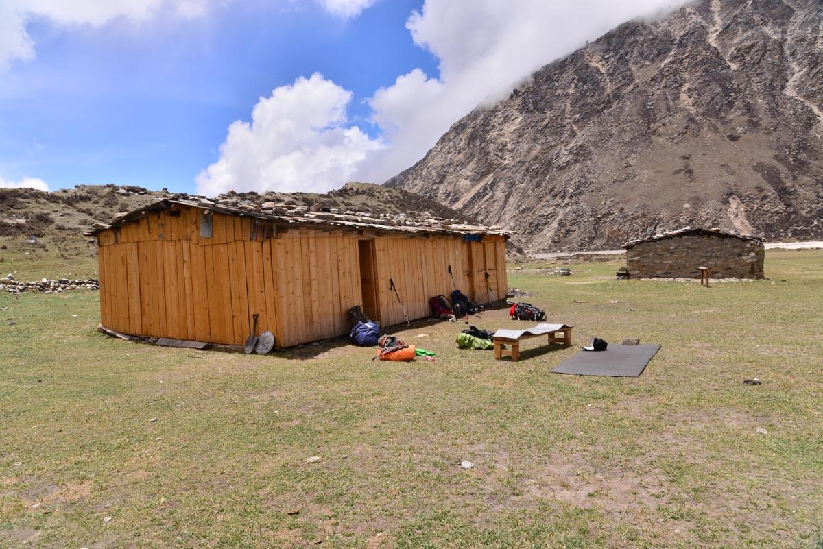 lhonak teahouse kanchenjunga