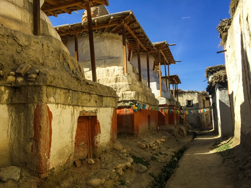 chorten in lo manthang village