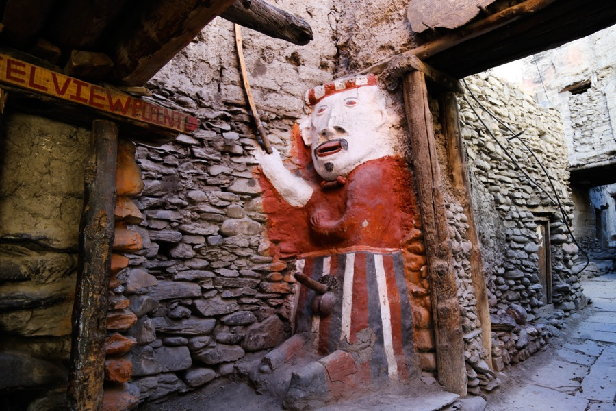 statue kagbeni