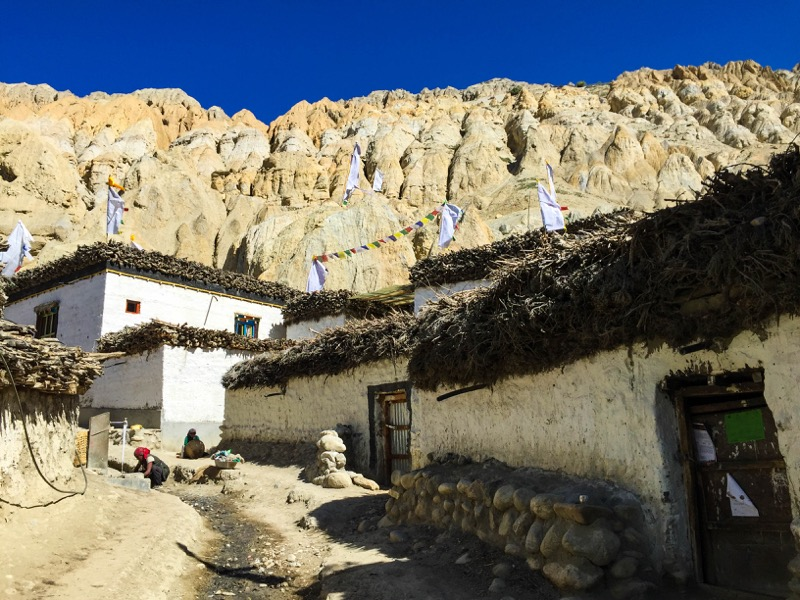 Traditional house upper mustang