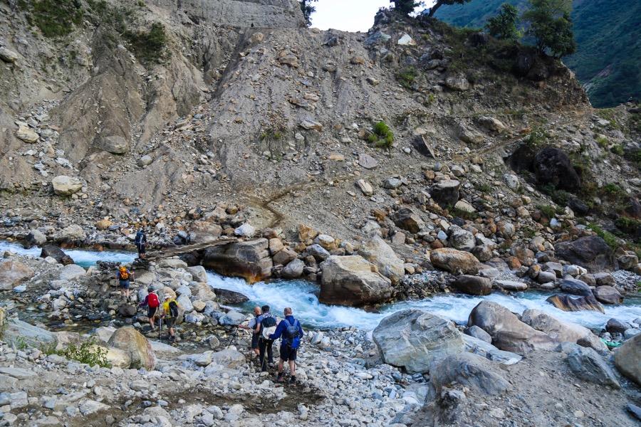 manaslu trail river