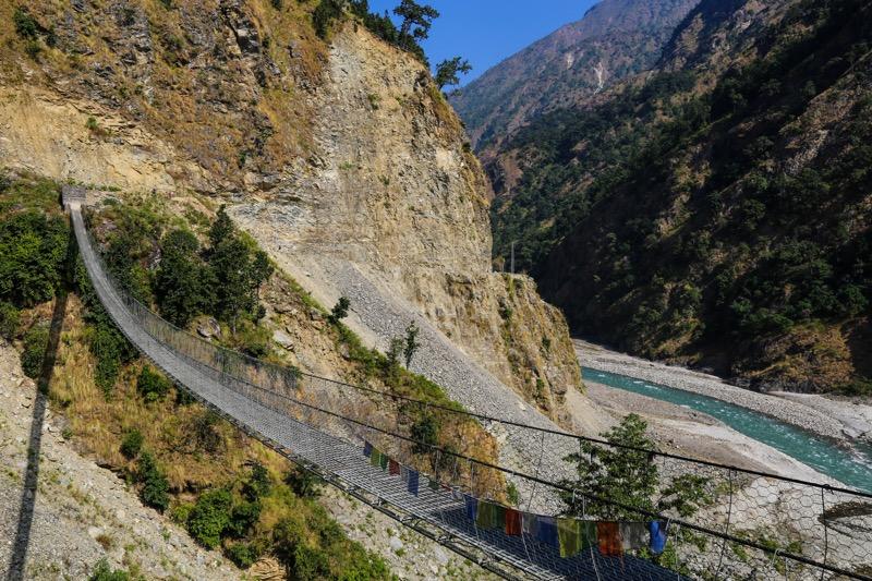 manaslu trek suspension bridge