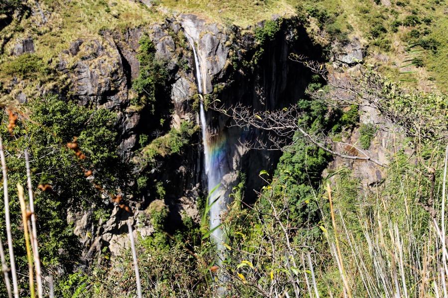 waterfall manaslu