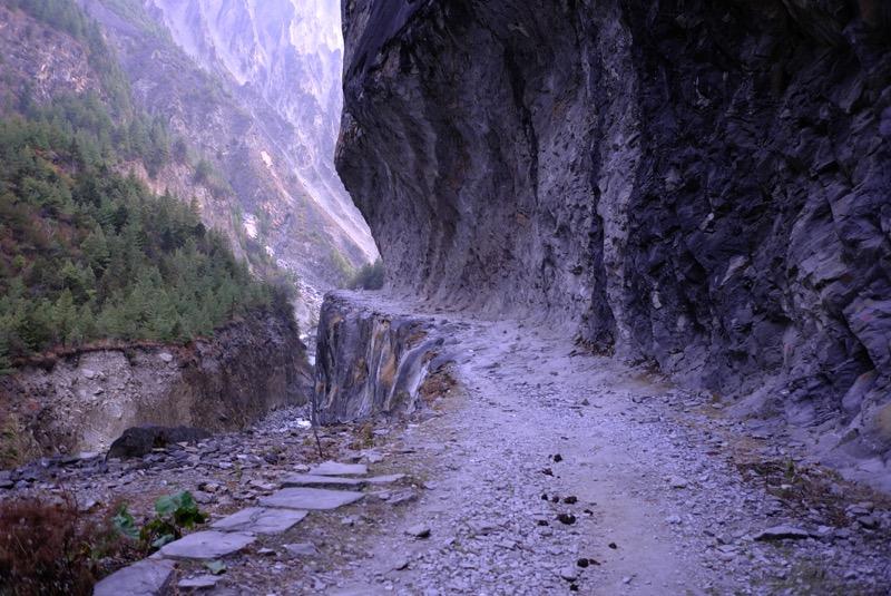 how to go from kathmandu to dharapani for annapurna circuit trek