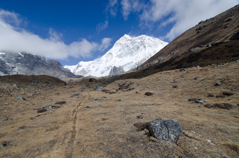 makalu base camp trek nepal
